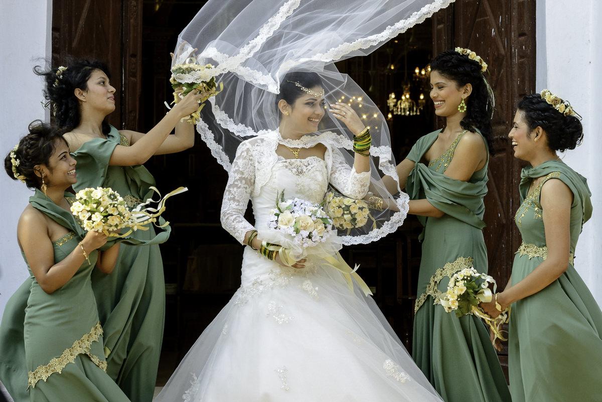 Photooneil Photography - catholic wedding photographers - candolim church goa