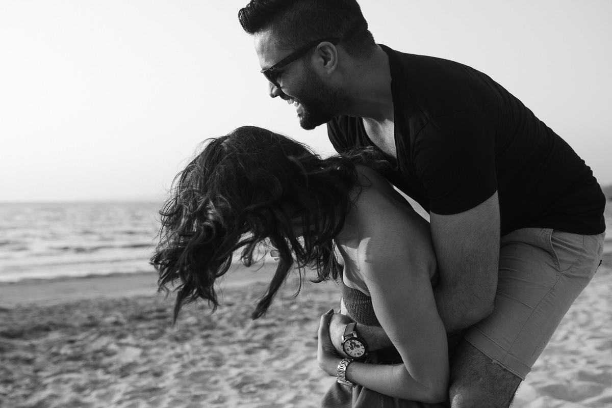 Photooneil Photography - Indian destination wedding photographers pre wedding shoot at Siridao Beach
