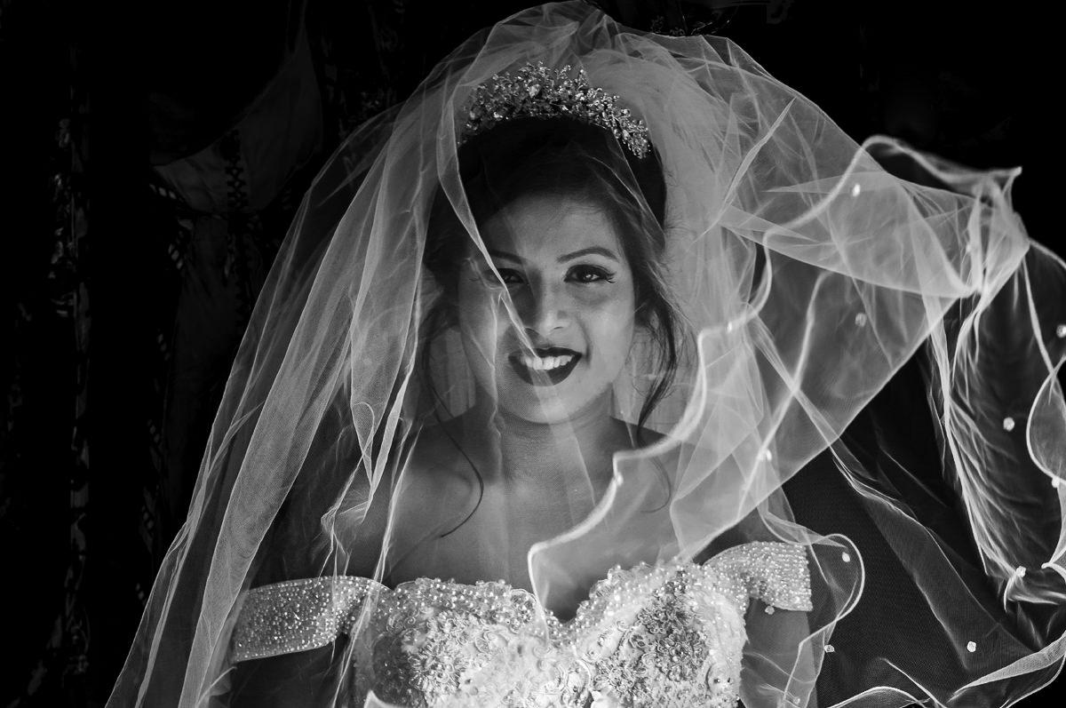 Photooneil Photography - Beautiful bride portrait black and white Goa